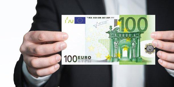 La Fédération du commerce et de la distribution (FCD) avait estimé qu'un montant de 100 euros correspondrait aux besoins des consommateurs.