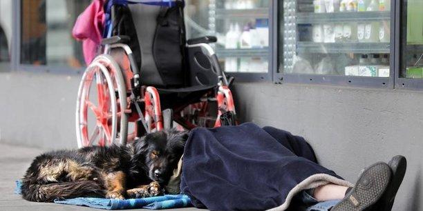 Recensement inedit de sans-abris a paris sur fond de polemique[reuters.com]