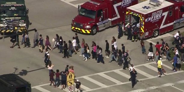 Fusillade en cours dans un groupe scolaire en floride, 20 blesses[reuters.com]