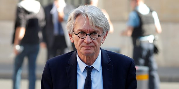 Sur un dossier comme celui-là, il pourrait prendre le temps d'une véritable consultation, a déclaré le secrétaire général de FO, Jean-Claude Mailly sur Franceinfo, rappelant qu'il y a des lignes rouges, notamment la question du statut des cheminots.