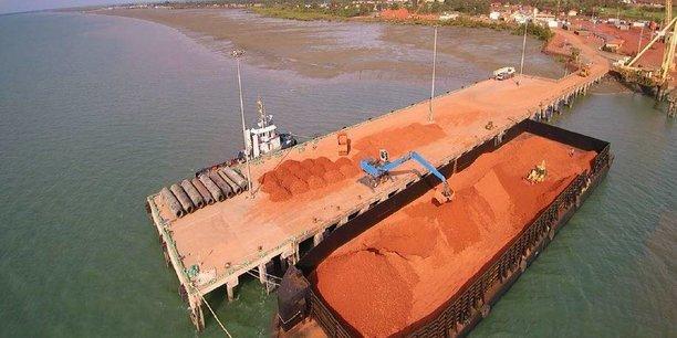 La Guinée recèlerait les plus grands gisements de bauxite au monde.