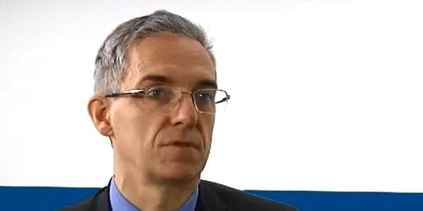 Alexandre Saubot est le fils de Pierre Saubot qui a développé le groupe Haulotte, devenu une entreprise internationale cotée en Bourse.
