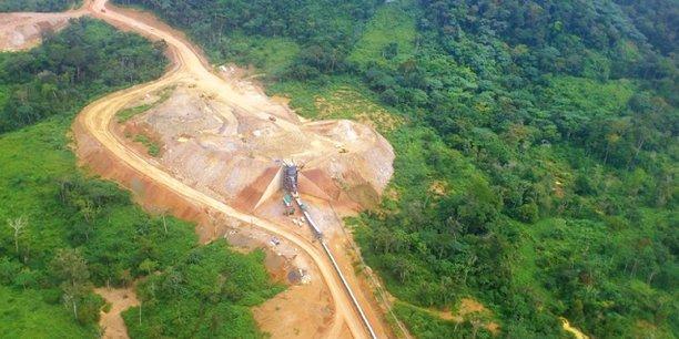 En juillet 2017, la firme canadienne Banro suspendait ses activités dans la mine d'or de Namoya pour des raisons liées à l'insécurité dans la région, un convoi de 23 camions appartenant à des sous-traitants ayant été pris entre deux feux lors d'un échange de tirs entre factions rivales sur la route N°5 reliant le site de la mine à Baraka, une ville du Sud-Kivu.