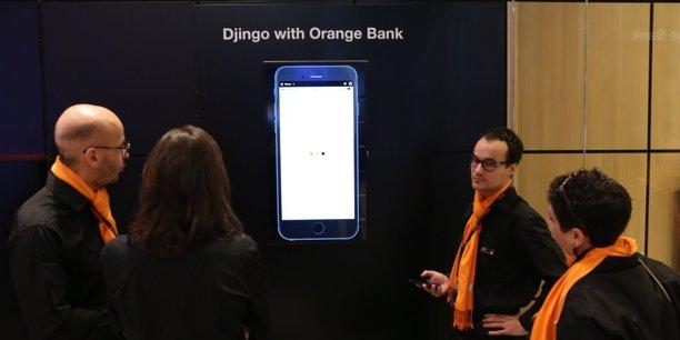 Au Mobile World Congress de Barcelone la semaine dernière, Orange a organisé des démonstrations de Djingo, le conseiller virtuel d'Orange Bank, dopé à l'intelligence artificielle d'IBM, Watson. Djingo est aussi l'assistant vocal intégré à l'enceinte connectée d'Orange, sur le modèle de Google Home ou Amazon Echo, qui doit sortir d'ici à la fin de l'année.