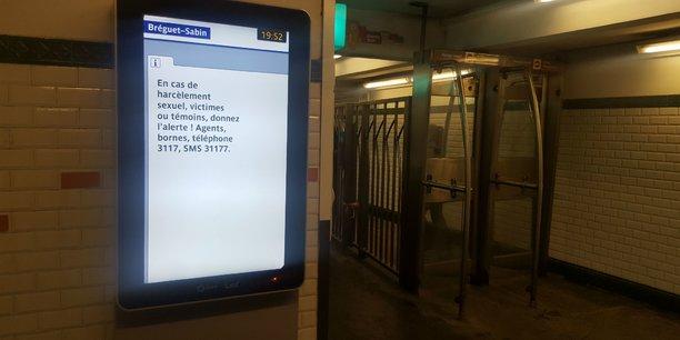 Depuis le 5 mars,  les annonces de sécurité de la RATP mettent l'accent sur le harcèlement sexuel, en sensibilisant à l'intervention de témoins.
