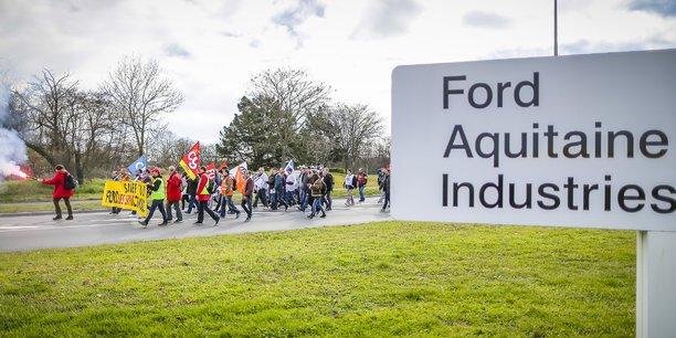 Vendredi 9 mars, les Ford en route pour Bordeaux passent devant un panneau qui devrait disparaître du paysage girondin d'ici l'an prochain.