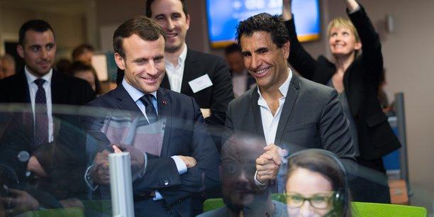 Gaël Duval (au premier plan à droite) a accueilli Emmanuel Macron dans les bureaux agenais de JeChange le 6 mars dernier. Les deux hommes sont proches depuis plusieurs années.