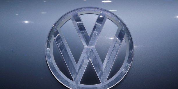 Volkswagen a passe 20 milliards de commandes pour batteries electriques[reuters.com]