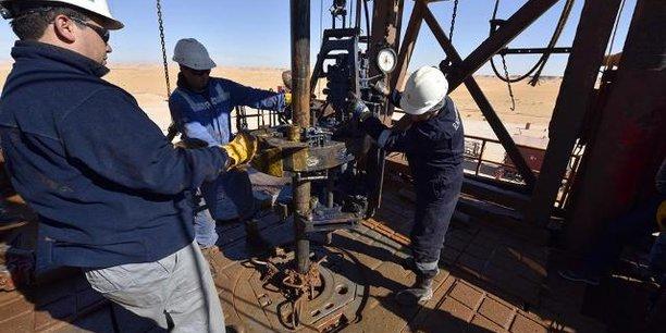 Inauguré le 27 mars 2018, le complexe de production du champ gazier de Timimoun, dans le sud-ouest algérien, est géré conjointement par l'algérien Sonatrach (51%), le français Total (37,75%) et la compagnie espagnole de pétrole Cepsa (11,25%).