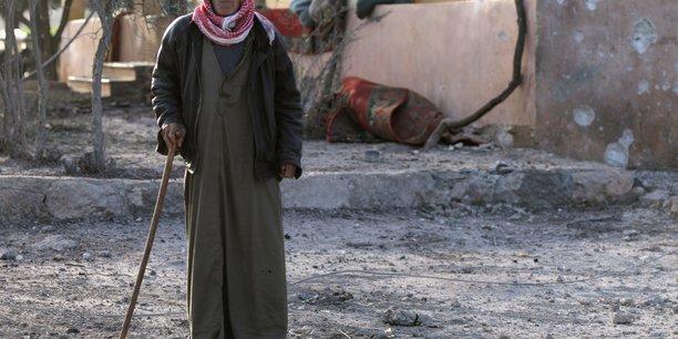 Afrin en syrie privee d'eau, des milliers de personnes deplacees[reuters.com]