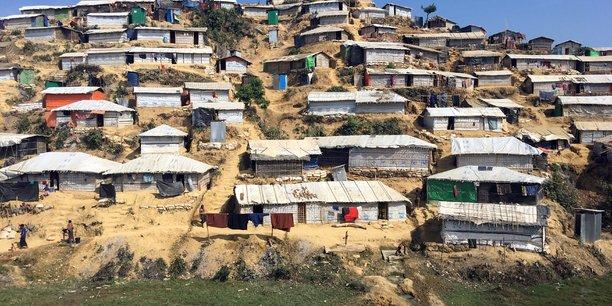 La birmanie a verifie l'identite de moins de 400 rohingyas[reuters.com]