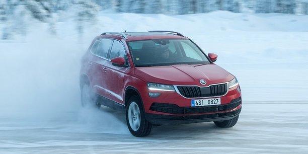 Le Karoq se confond avec le Volkswagen Tiguan, mais affiche des prix beaucoup plus compétitifs.