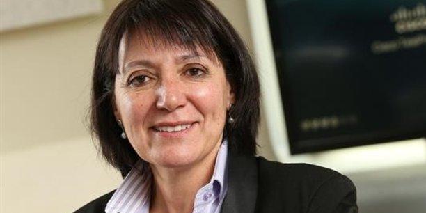 Cumulant plus de 25 ans d'expérience dans le domaine des technologies à travers le monde, Cathy Smith est une experte internationale des TIC.