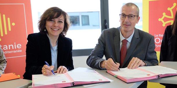 La présidente de la Région Carole Delga et Pierre Lombard, le directeur général des opérations Adecco France, ont signé la convention mardi 20 mars.