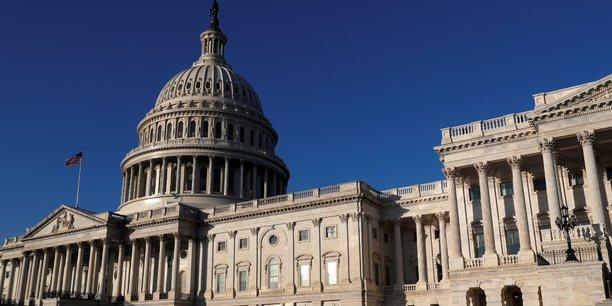 Dans la seconde quinzaine de janvier puis début février, les Etats-Unis ont vécu deux brefs épisodes de shutdown, ou fermeture partielle d'agences et de programmes fédéraux avec mise au chômage technique sans salaire de leurs employés.