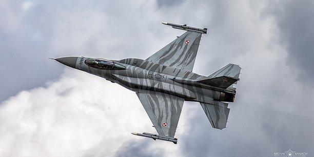 Varsovie pourraient acheter jusqu'à 150 missiles AIM-120C-7 AMRAAM pour un coût estimé à 250 millions de dollars