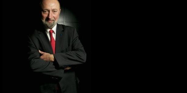 Loïc Quentin de Gromard, patron depuis 1985 de Saverglass, une ETI picarde de 430 millions d'euros de chiffre d'affaires et de 3.000 employés, reconnaît qu'il a été « long à convaincre » lorsqu'il a fallu ouvrir le capital à un fonds dans le cadre d'un LBO, après des années d'actionnariat familial.
