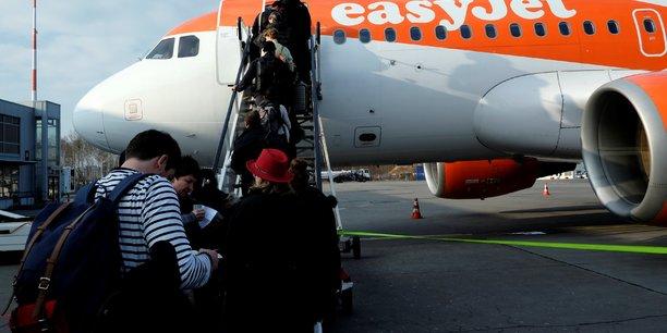 Dans un premier temps, Easyjet va, comme annoncé en septembre, proposer sur son site internet l'offre de vols long-courrier des deux compagnies françaises.