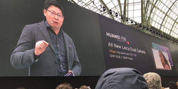 Richard Yu, le président de la division Huawei Consumer Business, a longuement vanté le nouvel appareil photo de ses nouveaux terminaux.