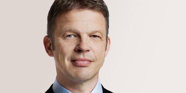 Christian Sewing, le nouveau directeur général de Deutsche Bank, avait prévenu qu'il y aurait des décisions difficiles dans la banque de financement et d'investissement. Des centaines de banquiers d'affaires ont déjà été licenciés aux Etats-Unis le mois dernier.