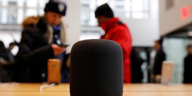 Apple se lance sur le marché des enceintes connectées avec son HomePod, disponible aux États-Unis depuis le 9 février.