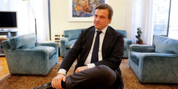 Tim: le ministre de l'industrie italien fustige vivendi[reuters.com]