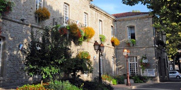 L'hôtel-de-ville de Montbrison.