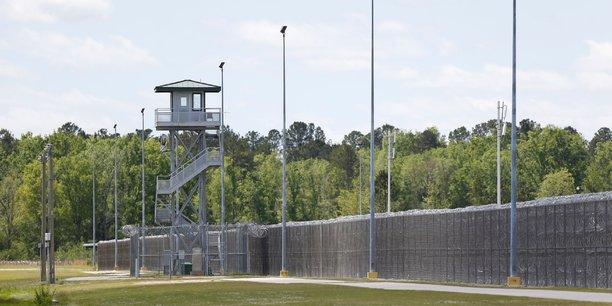 Sept mort dans une prison us, emeute la plus grave depuis 25 ans[reuters.com]