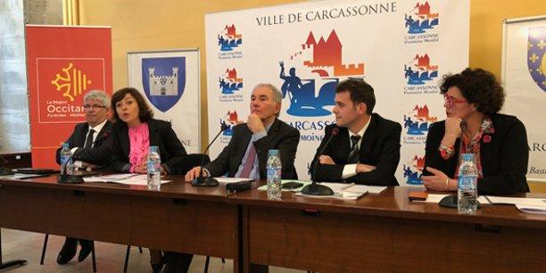 De g. à d. : R. Banquet (Carcassonne Agglo), C. Delga (Région), G. Larrat (Ville de Carcassonne), E. Garcia (délégué FIFP) et T. Rivel (CD11)
