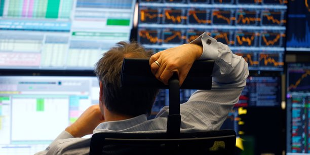 Le marché des actions reste bien orienté malgré les risques.