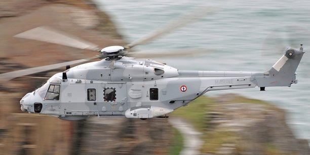 L'hélicoptère NH90 (ici version Marine) est un hélicoptère lourd aux normes de l'Otan développé par Airbus.