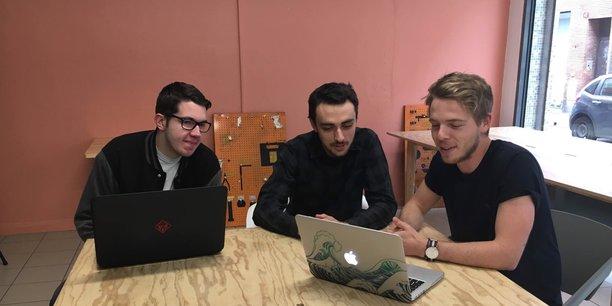 Thibault Descombes (à droite), en compagnie de l'autre cofondateur Florian Garibal (au centre) et Jeremy Basso, développeur et récemment recruté par le duo. Une équipe qui va rapidement s'agrandir.