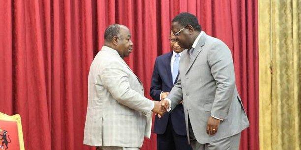 Le président Gabonais Ali Bongo et le Premier ministre démissionnaire Emmanuel Issoze Ngondet.
