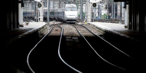 SNCF: la CFDT poursuit la grève et va proposer