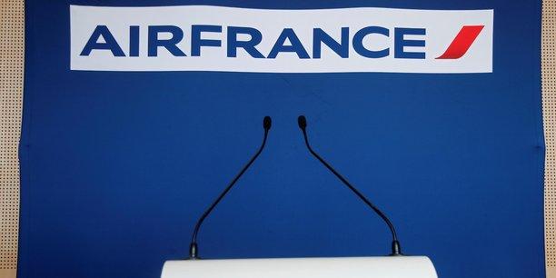 la direction a rejeté la demande de l'intersyndicale: La direction d'Air France réaffirme que la période qui s'ouvre ne permet pas d'engager une quelconque négociation, a-t-elle répondu. Jean-Marc Janaillac doit formaliser sa démission lors d'un conseil d'administration le 15 mai.