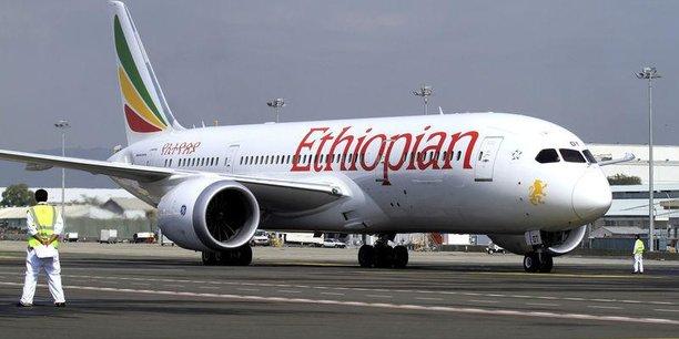 Ethiopian airline avec plus de 10 millions de passagers transportés en 2017-2018, et une flotte moderne de plus d'une centaine d'appareils, est la première compagnie aérienne africaine.
