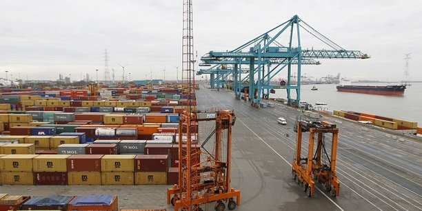 L'intensification des tensions sur les échanges de biens et services risque de mettre en péril la reprise actuelle du commerce mondial et de l'activité, soulignent les spécialistes
