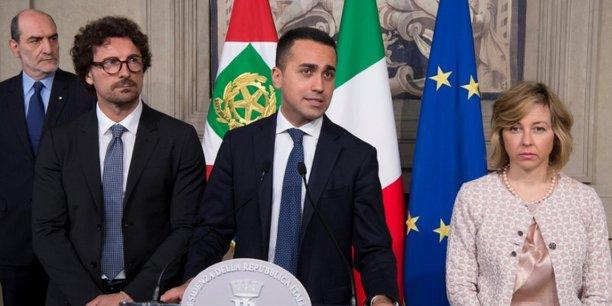Luigi Di Maio, dirigeant du Mouvement 5 étoiles (antisystème et eurosceptique), lors de sa conférence de presse, le 7 mai 2018 au palais du Quirinal, à Rome, à l'issue de sa consultation du président de la République italienne, Sergio Mattarella.