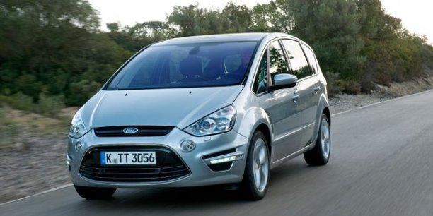 ford s max un grand monospace sportif. Black Bedroom Furniture Sets. Home Design Ideas