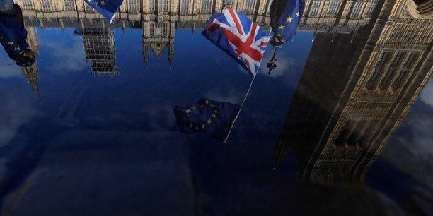 Londres envisage un partenariat douanier temporaire avec l'ue[reuters.com]