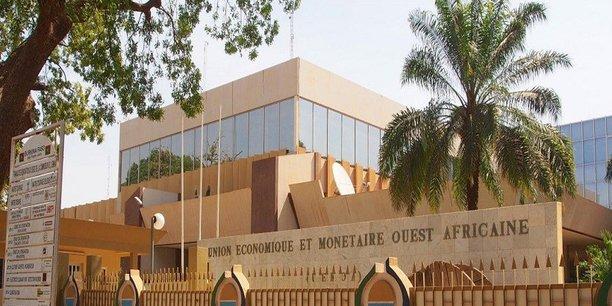 Créée en 2010, la Caisse de régionale de refinancement hypothécaire est notamment chargée du refinancement des prêts au logement des établissements bancaires de l'UEMOA.