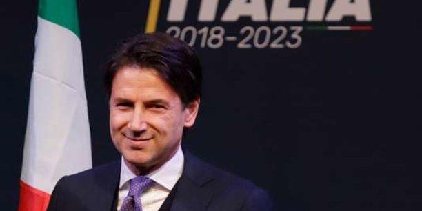 Le chef de file du Mouvement 5 Etoiles Luigi Di Maio et le patron de la Ligue Matteo Salvini ont désigné Giuseppe Conte comme président du Conseil italien.