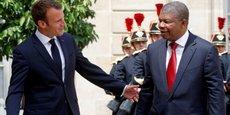 Le président angolais Joao Lourenco, reçu à son arrivée à l'Elysée par le président français Emmanuel Macron, ce lundi 28 mai à Paris.