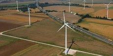 Les éoliennes terrestres sont souvent installées en plaines ou dans les régions montagneuses.