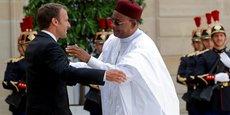 Les présidents Emmanuel Macron et Mahamadou Issoufou, ce lundi 4 juin à L'Elysée.