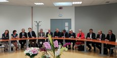 Jean-Luc Gleyze (Gironde), entouré de douze présidents de départements PS dont Stéphane Troussel (Seine-Saint-Denis), Mathieu Klein (Meurthe-et-Moselle), Philippe Martin (Gers) et Xavier Fortinon (Landes).