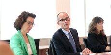 François Codet, président du directoire de la Caisse d'Epargne Côte d'Azur, entouré à droite de Françoise Lemalle, présidente du COS et de Bénédicte Solanet, membre du directoire, mandataire du pôle Ressources et Transformation.