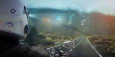 La technologie de réalité augmentée de EyeLights permet de transformer la visière de n'importe quel casque de moto en un écran sur lequel s'affichent les informations de conduite.