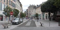 En 2015, la ville de Pau (Pyrénées-Atlantiques) comptait 15 % de logements vacants selon l'Insee. Un niveau également constaté à Tulle (Corrèze).