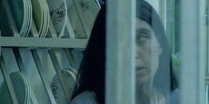 Pour lutter contre les violences faites aux femmes en France, la Miprof est à l'initiative de films pédagogiques, en partenariat avec le Conseil national des Barreaux, la Conférence des Bâtonniers, le Barreau de Paris et le Ministère des Affaires sociales, de la Santé et des Droits des femmes. (Ici, capture d'écran du film consacré aux violences dans le cadre domestique, intitulé Protection sur ordonnance et réalisé en 2015 par Virginie Kahn.)